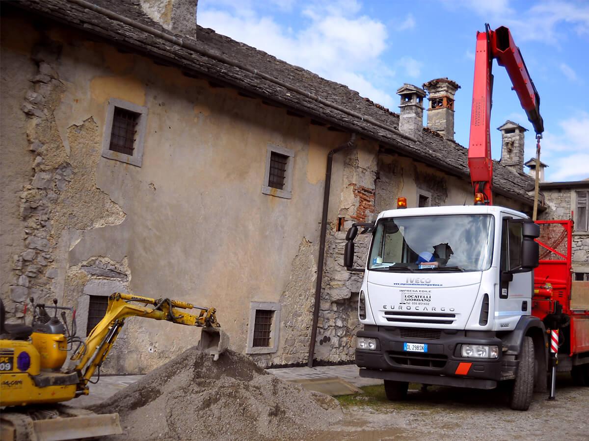 Rifacimento tetti in piode - ristrutturazione borgo di Arnosto - 3