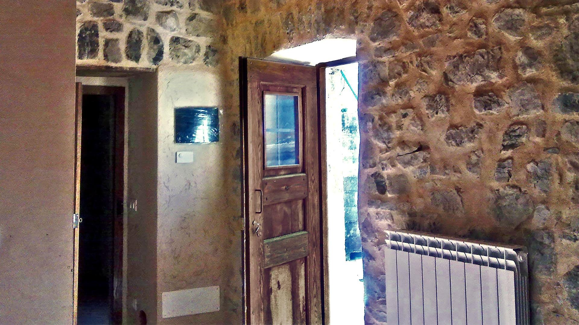Muro Fatto In Pietra ristrutturare un muro interno in pietra: da dove iniziare