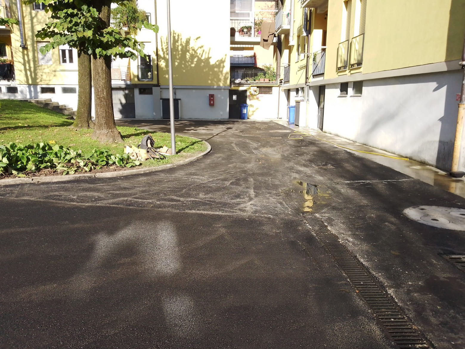 Asfaltatura parcheggio condominiale Bergamo - 6