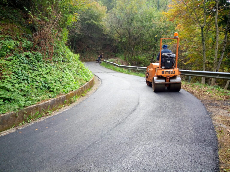 sistemazione asfalti Sant'Omobono - 6
